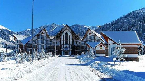 Ski School Gorny Stil