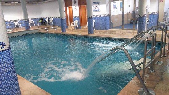 Piscina cubierta y gimnasio picture of poseidon resort benidorm tripadvisor - Piscina cubierta alicante ...