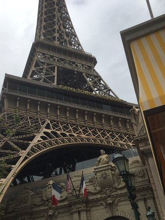 Eiffel tower at paris hotel picture of las vegas nevada for Hotel near the eiffel tower