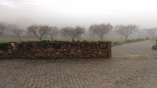 Figueira de Castelo Rodrigo, Portugal: Amanhecer nas serras: paisagem deslumbrante