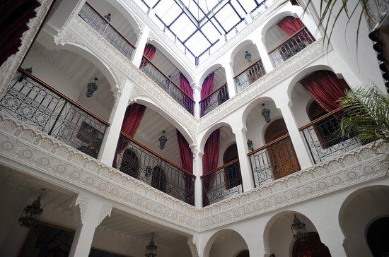 Riad Mouna : Patio al que dan las habitaciones.