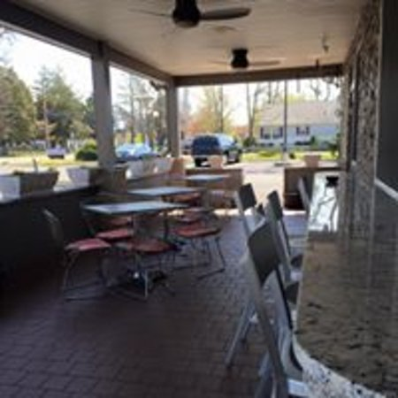 Absecon, NJ: Outside Seating