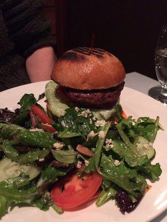 Adam's Restaurant: Gourmet burger and delicious salad