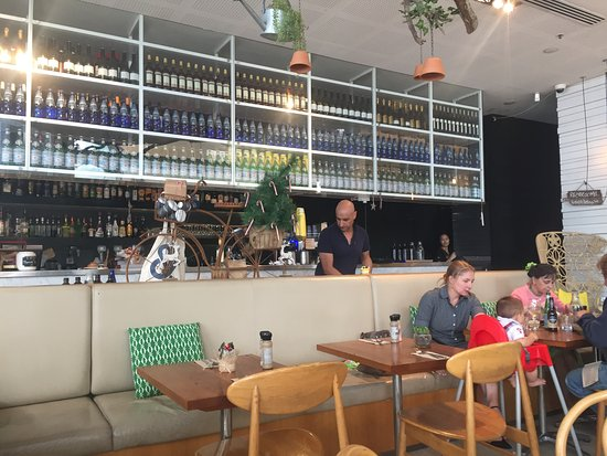 Hornsby, Australia: The bar service section