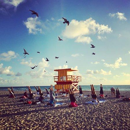 Beach Yoga @ 3rd Street: photo0.jpg
