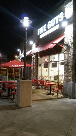 Five Guys Lynnwood 19620 Highway 99 Restaurant