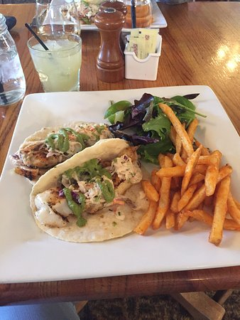 Dubois, WY: Lunch is included in the price....fish tacos!