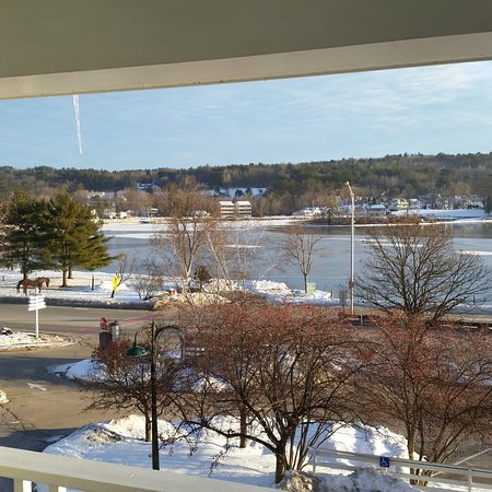 Chase House at Mill Falls: Room view looking toward the Northend of bay