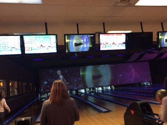 Jupiter Bowl : Bowling lanes