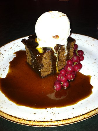 Kintbury, UK: Sticky Toffee . . . . . . .