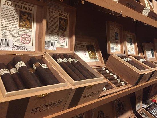 Vintage Cigar Lounge & Club照片