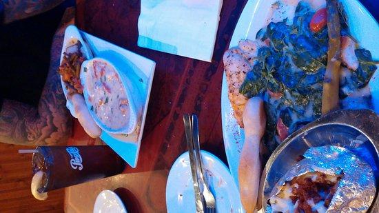 Florida's Seafood Bar & Grill: 1226161958_large.jpg