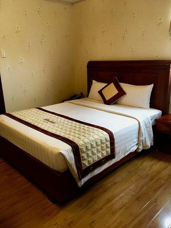 Elios Hotel: A Queen Room