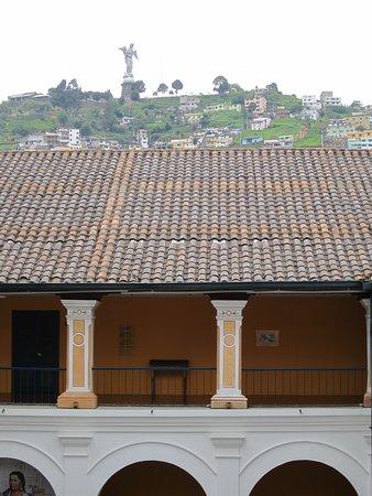 Museo de la Ciudad: View of Panecillo from inside the museum