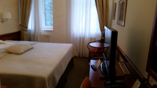 Room 22 of Hotel 16