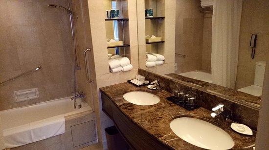 York Hotel: IMG20161227124429_large.jpg