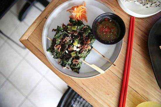 an uong eat drink vietnam bo la lot grilled beef wrapped in betel leave