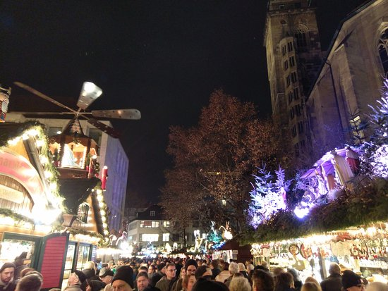 stuttgarter weihnachtsmarkt stuttgart christmas market