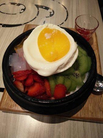 Makanan Picture Of Patbingsoo Korean Dessert House Tangerang