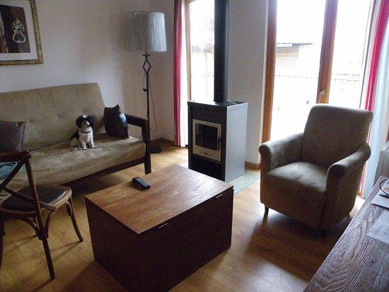 petit coin salon photo de les cottages de valjoly eppe sauvage tripadvisor. Black Bedroom Furniture Sets. Home Design Ideas