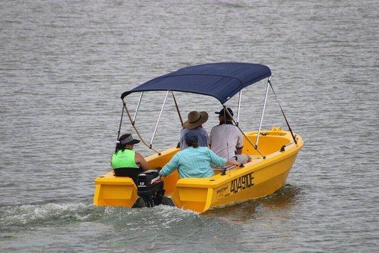 Benaraby, Australia: Lake Awoonga Boating & Leisure Hire