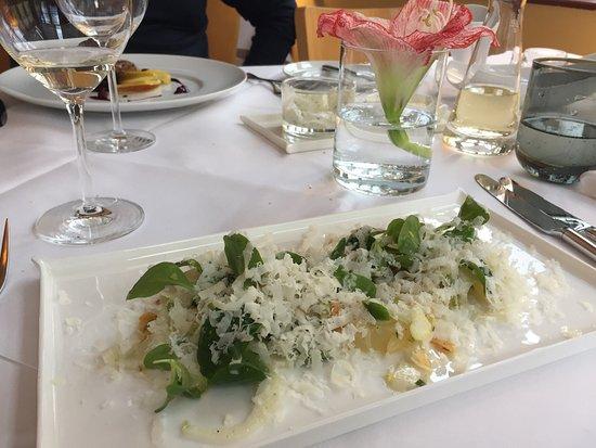 Villa Esche: Салат с грушей.