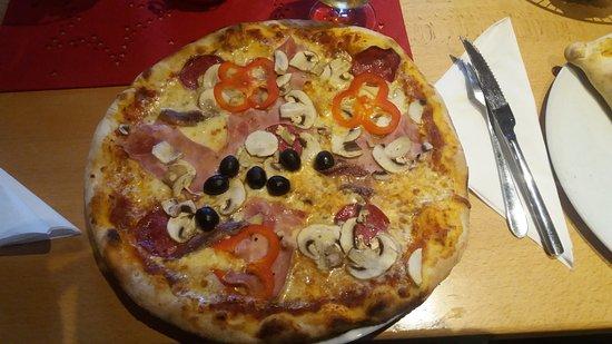 Ramstein-Miesenbach, Germany: Pizza Spezial