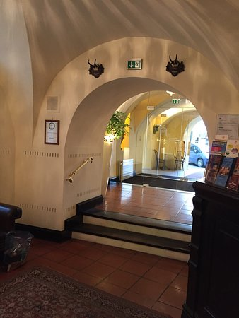Hotel Konig Von Ungarn: I loved this little boutique hotel. We had coffee at the lobby while we meeting some friends. Th