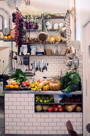 Mesa de cocina de Auto Rosellon: fotografía de Auto Rosellon ...