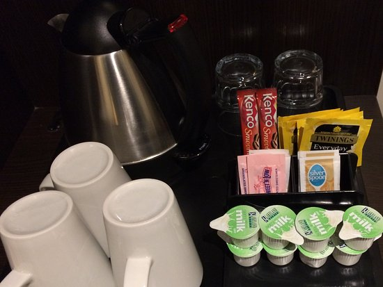 Premier Inn Gosport Hotel : The extra mug and teabags/milk - very much appreciated, massive thank you for this