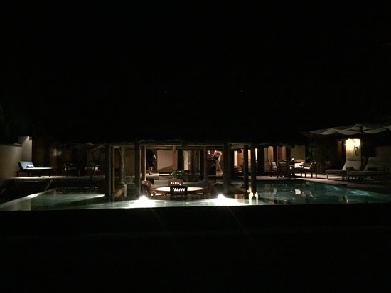 Constance Lemuria: Arrival at villa with pool