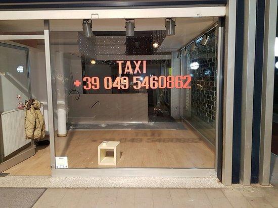 Абано-Терме, Италия: ufficio taxi