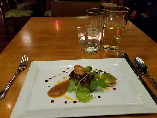 Chives Canadian Bistro: Seared Scallops With Pork Belly and Apple/Ginger Puree