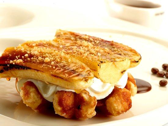 Bnana split waffle