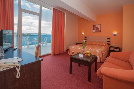 Hotel Selena Photo