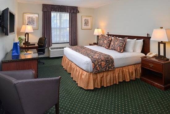 BEST WESTERN Westminster Catering & Conference Center: Spacious King Accommodations