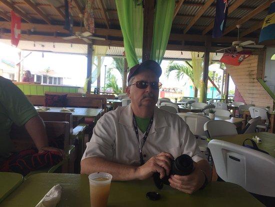 Lime Beach Bar: photo1.jpg