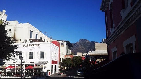 Purple House Bed & Breakfast: Cape Quarter Shopping Mall in Jarvis Street