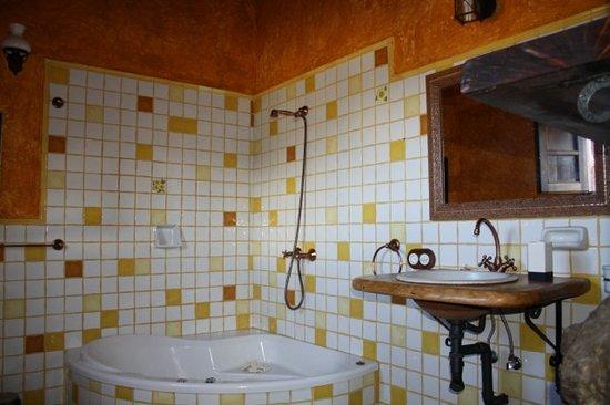 Isora, España: Baño de habitación Nisdafe