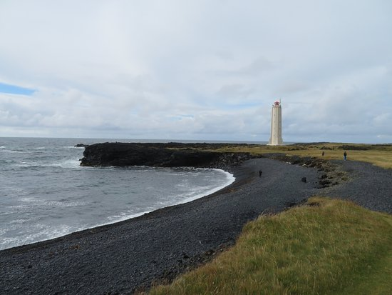 Londrangar Basalt Cliffs: Malariff lighthouse near Londrangar cliffs