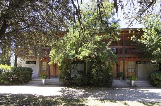 La Cabrera, Hiszpania: Fachada apartamentos dúplex