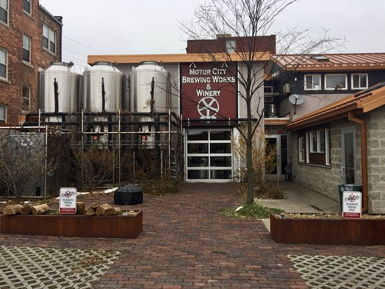 Motor City Brewing Works Bar 470 W Canfield St In