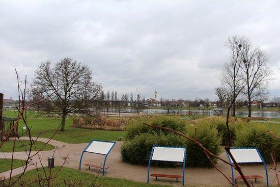 Jardins le jardin des deux rives for Jardin des 2 rives strasbourg