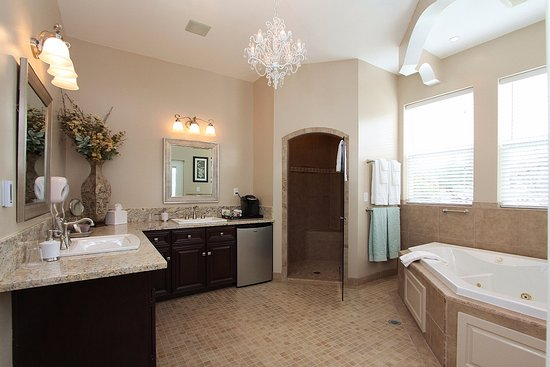 Sutter Creek, CA: Stevenson Bathroom