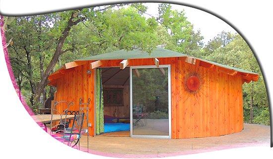 Cazilhac, France: ronde des bois facade