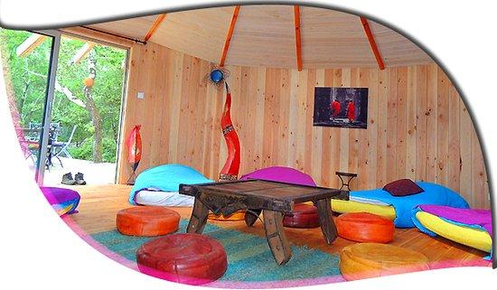 Cazilhac, France: ronde des bois interieur