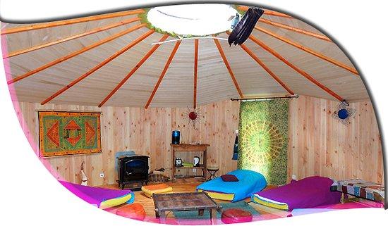 Cazilhac, France: ronde des bois salon intérieur