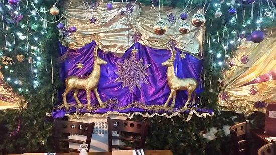 Chapel-en-le-Frith, UK: Join the Christmas scene