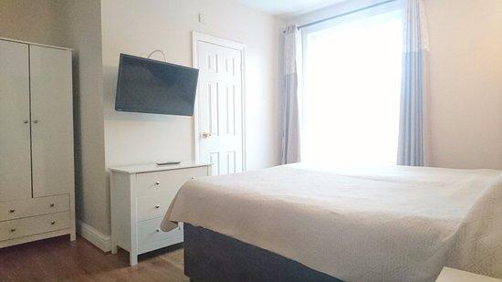 Avis Hotel: Double bedroom