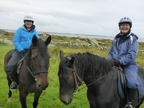Loughrea, Irlanda: Mounted for the trail